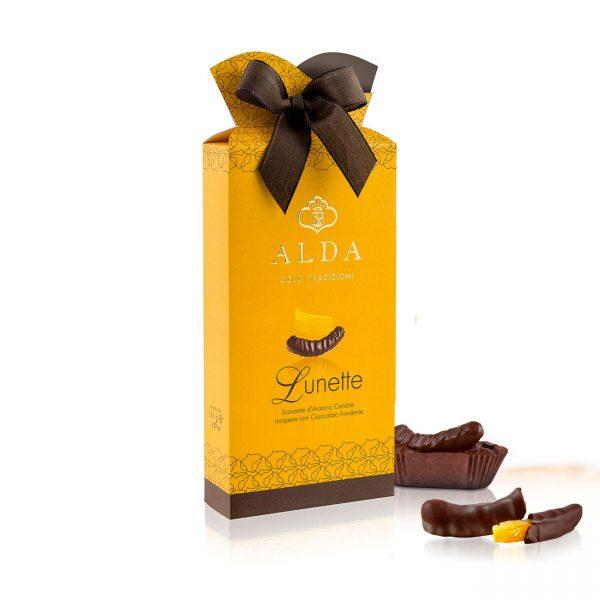 Scorsette di arancia ricoperte di cioccolato fondente